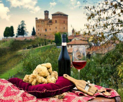 La crescita degli acquisti di vini e alimenti ricercati online
